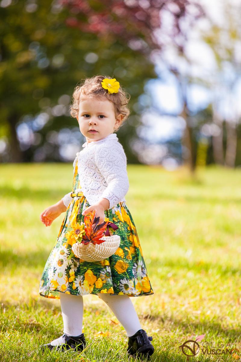 fetita cu cos cu fructe_sedinta foto de toamna_Olga Vuscan