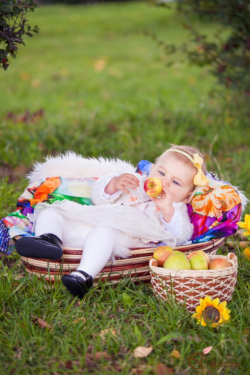 sedinta foto la 6 luni_toamna_Olga Vuscan