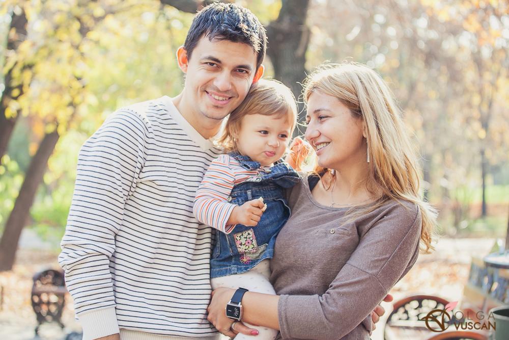 Sofia_sedinta foto de toamna in Bucuresti_Olga Vuscan