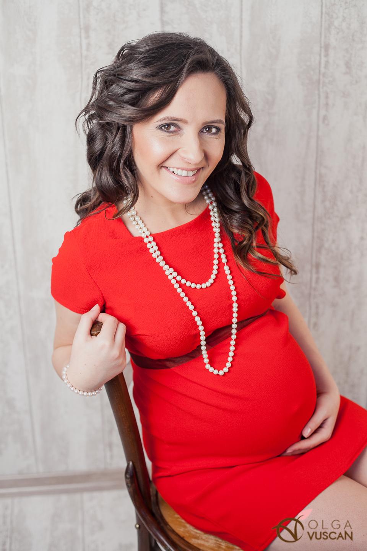 sedinta foto de maternitate de Olga Vuscan
