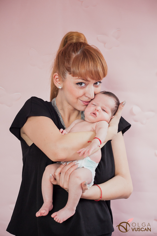 Ebony_newborn session_Olga Vuscan 118