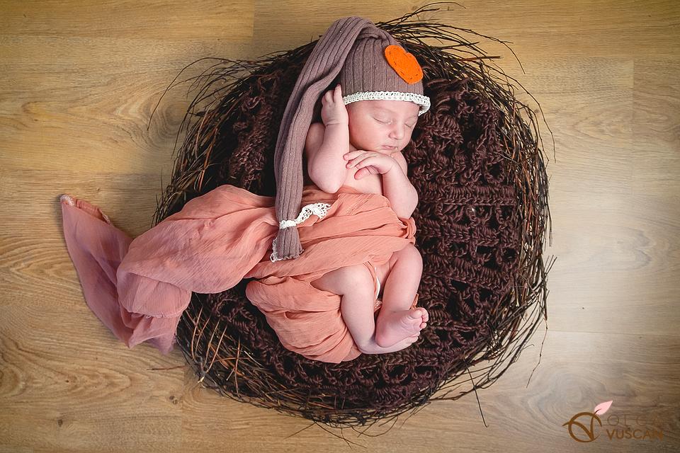 poze cu bebelusi_fotograf Olga Vuscan