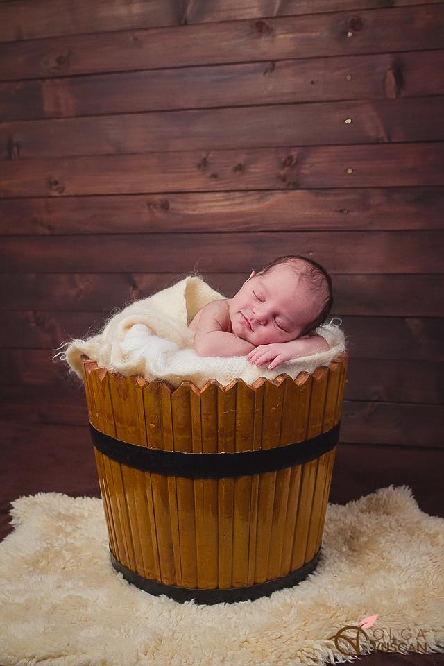fotografii de nou-nascut in studio_Olga Vuscan