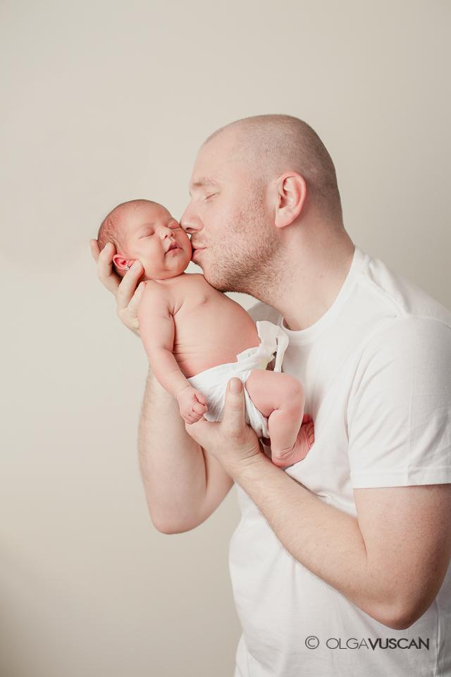 fotografii cu tata si fiica_sedinta foto_fotograf nou-nascuti Olga Vuscan