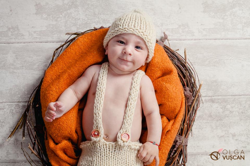 poze cu bebelusi, fotograf Olga Vuscan