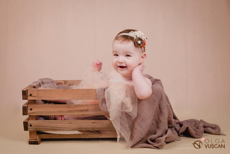 poze copii la 6 luni in studio, fotograf Olga Vuscan