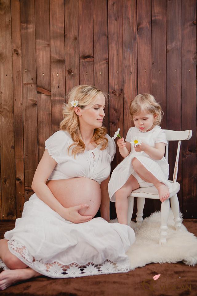 sedinta foto de maternitate in aer studio_Olga Vuscan
