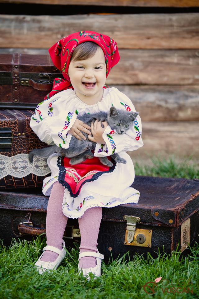 fotografii copii in costum popular_olga Vuscan