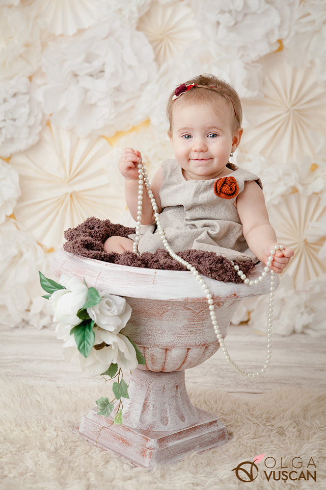 sesiune foto studio bebelusi_fotograf copii Olga Vuscan