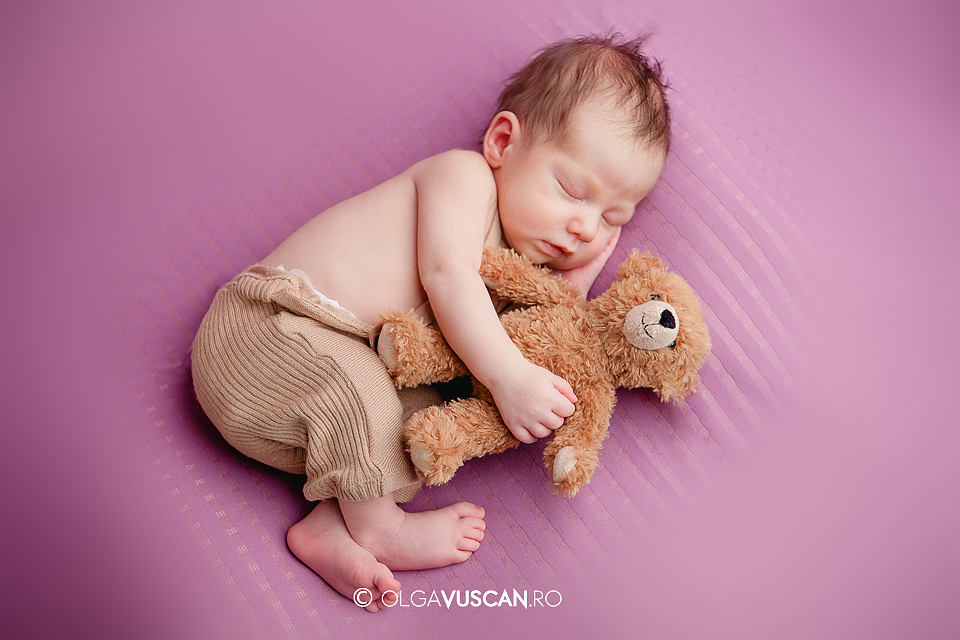 fotografii nou-nascut_fotograf bebe Olga Vuscan