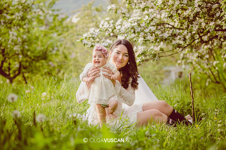 sesiune foto copii primavara _fotograf copii Olga Vuscan