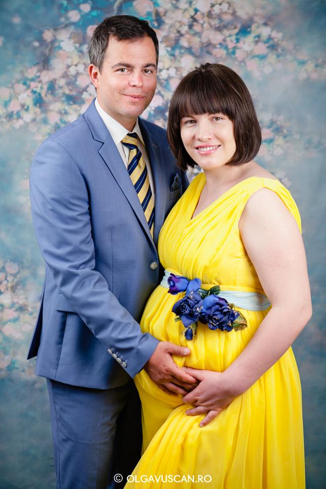 poze cu burtica_sesiune foto de gravida_fotograf maternitate Olga Vuscan Cluj