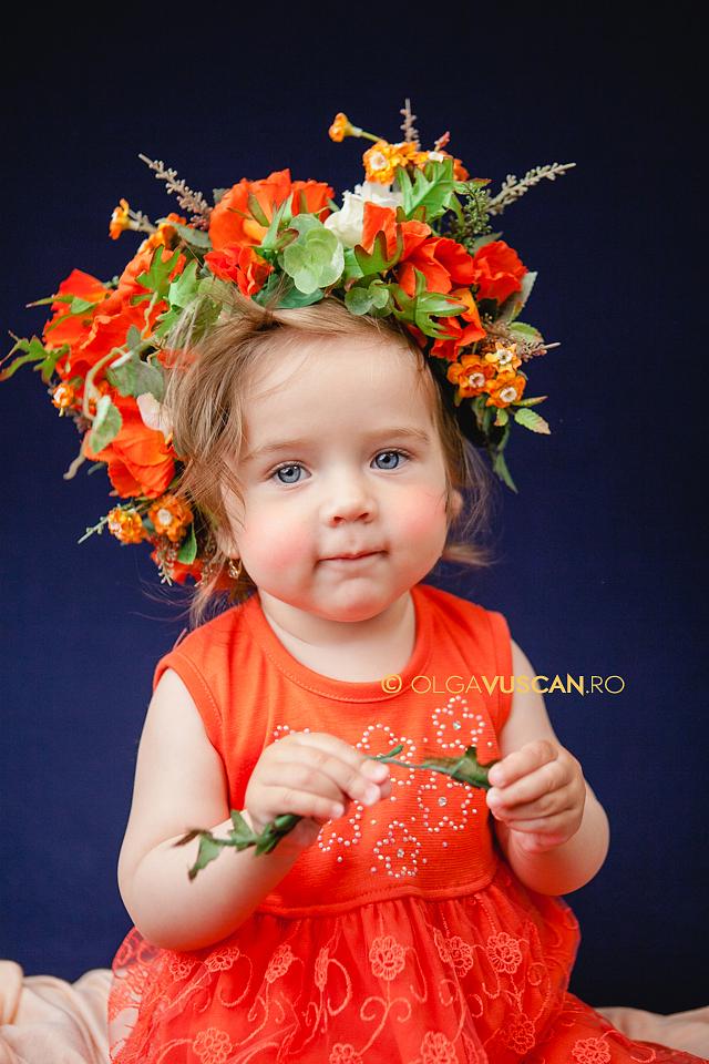 sesiune foto la 1 an in studio_fotograf copii Olga Vuscan