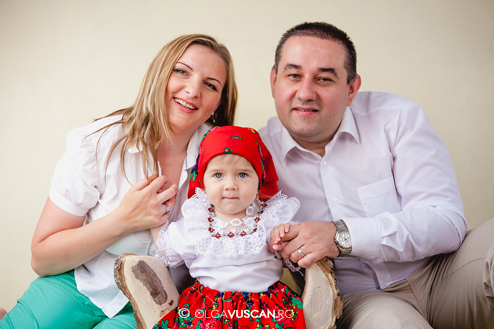 poze copii la 1 an in studio_fotograf copii Olga Vuscan