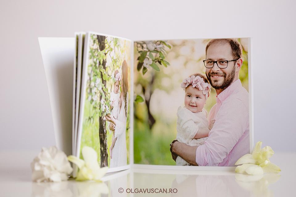 albumul de hartie_ #printeazaamintirile - album foto pe hartie_sesiuni foto de familie_fotograf copii Olga Vuscan Cluj