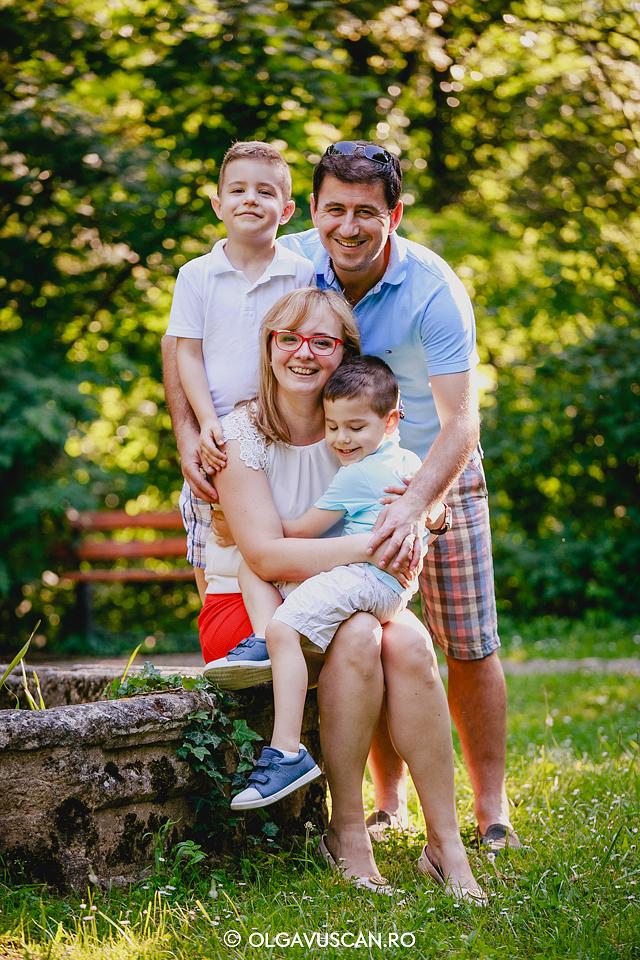 sedinta foto familie, fotograf copii, fotograf familie Olga Vuscan, fotograf copii Cluj