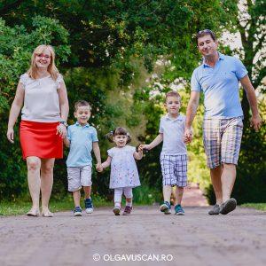 Sesiune foto de familie in Gradina Botanica