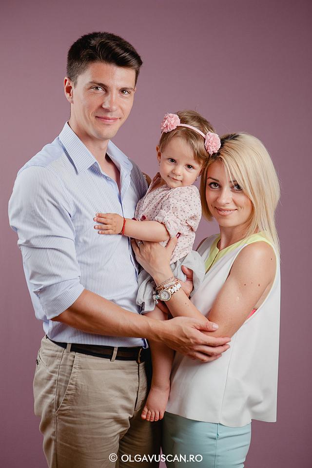 sedinta foto studio,sesiune foto fetite,poze la 1 an,fotografii copii 1 an,poze copii, fotograf copii Cluj