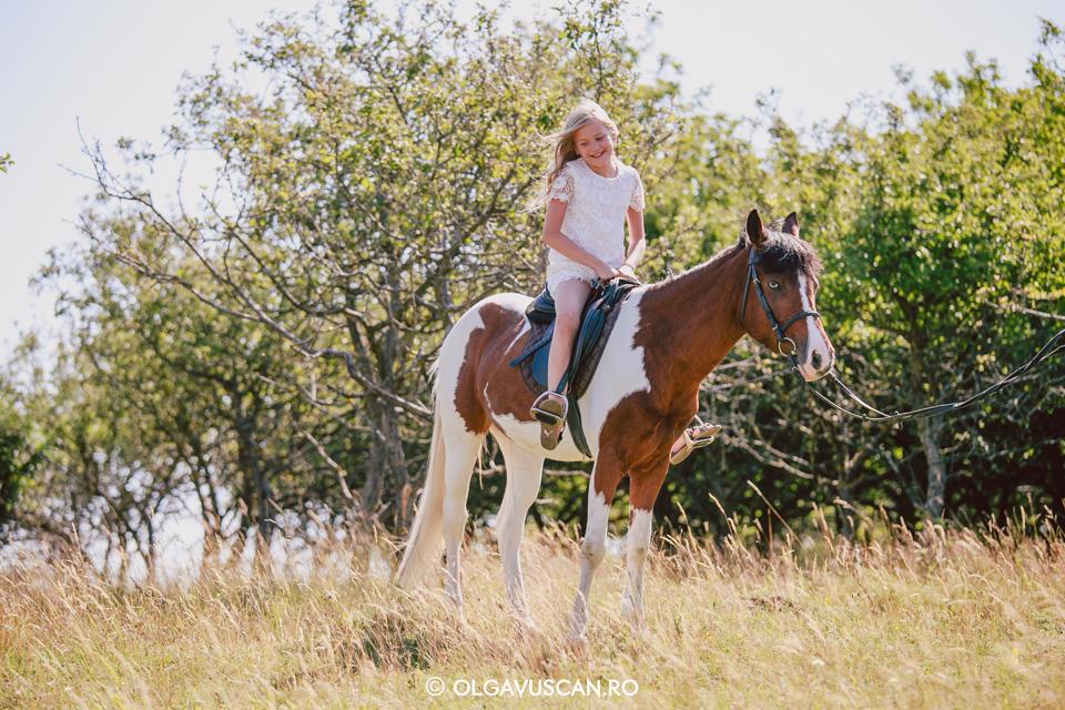 sedinta foto la 9 ani, sesiune foto in natura cu fete, poze copii, fotograf copii Cluj Olga Vuscan