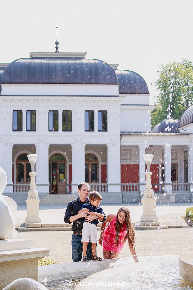 sedinta foto studio, sedinta foto in Parcul Central, sedinta foto baieti, fotograf copii Cluj