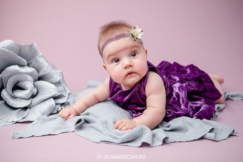 sedinta foto fetite, sedinta foto bebe, sesiune foto studio copii, fotograf copii Cluj, fotograf bebe Olga Vuscan