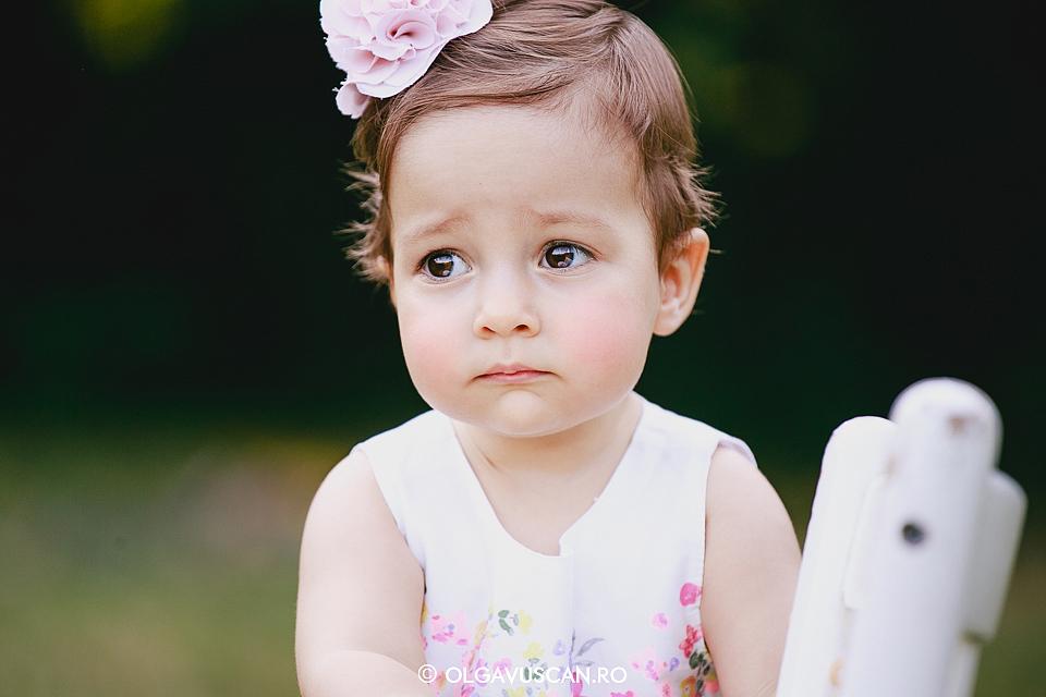 sedinta foto fetite, sesiune foto afara, poze copii, poze fetite 1 an, fotograf copii Cluj