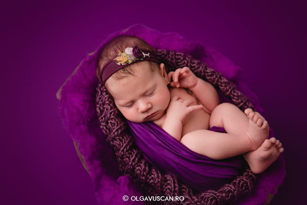 fotograf bebelusi, fotograf nou-nascuti Cluj, poze bebelusi, fotograf profesionist bebelusi Cluj, sedinta foto nou-nascut studio