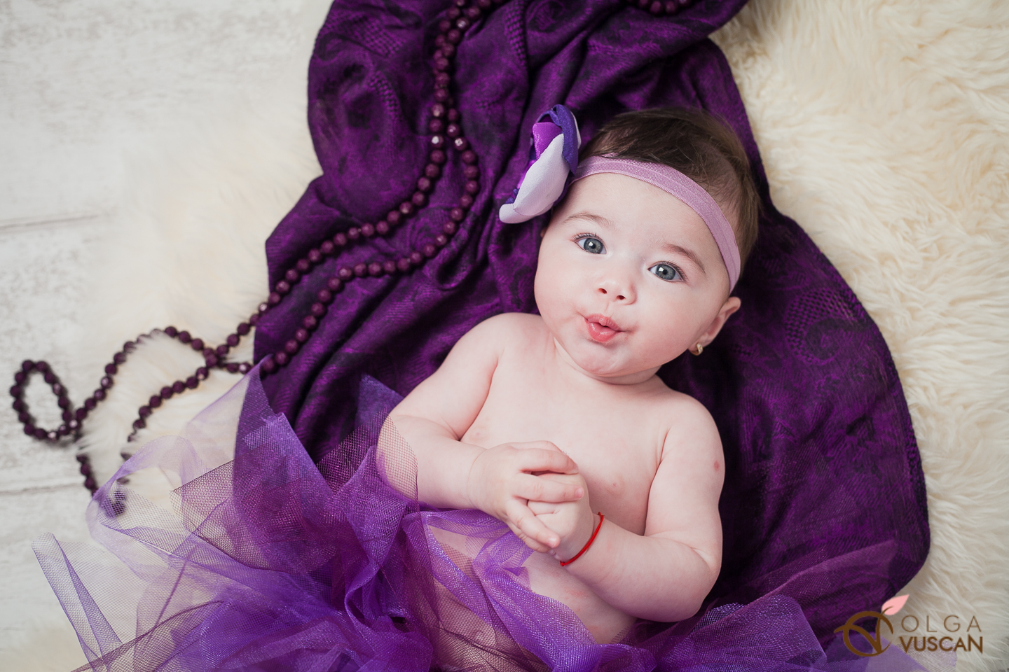 purple color_children photography by Olga Vuscan