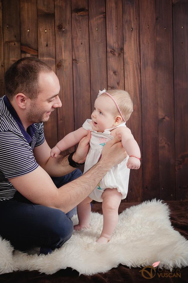 sedinta foto de copii la 6 luni_fotograf Olga Vuscan