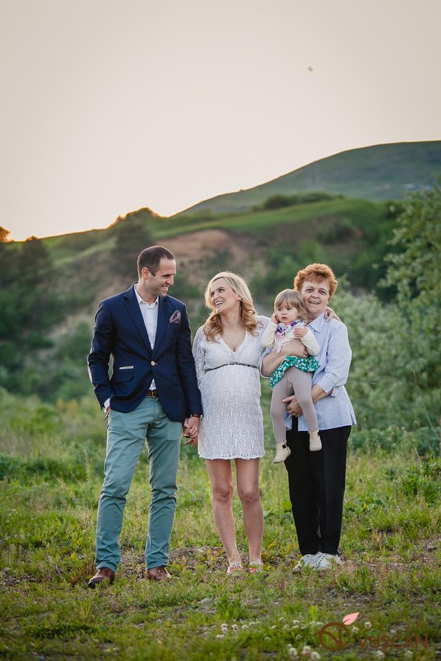 sedinta foto de maternitate in aer liber_Olga Vuscan