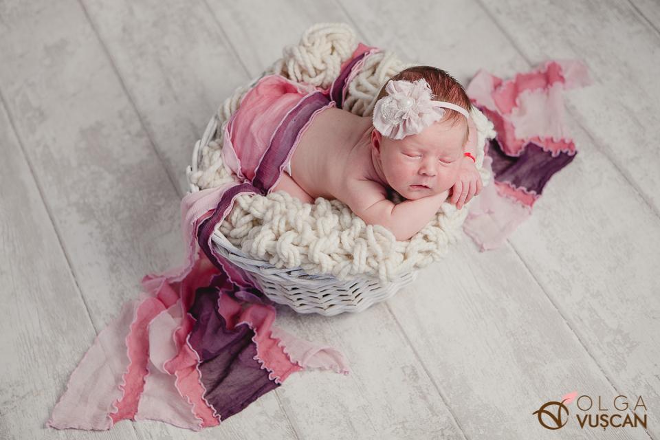 poze cu bebelusi_fotografii de nou-nascut in studio Olga Vuscan