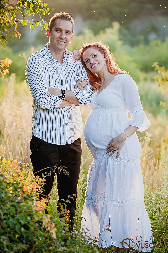 poze de maternitate afara_fotograf de maternitate Cluj Olga Vuscan