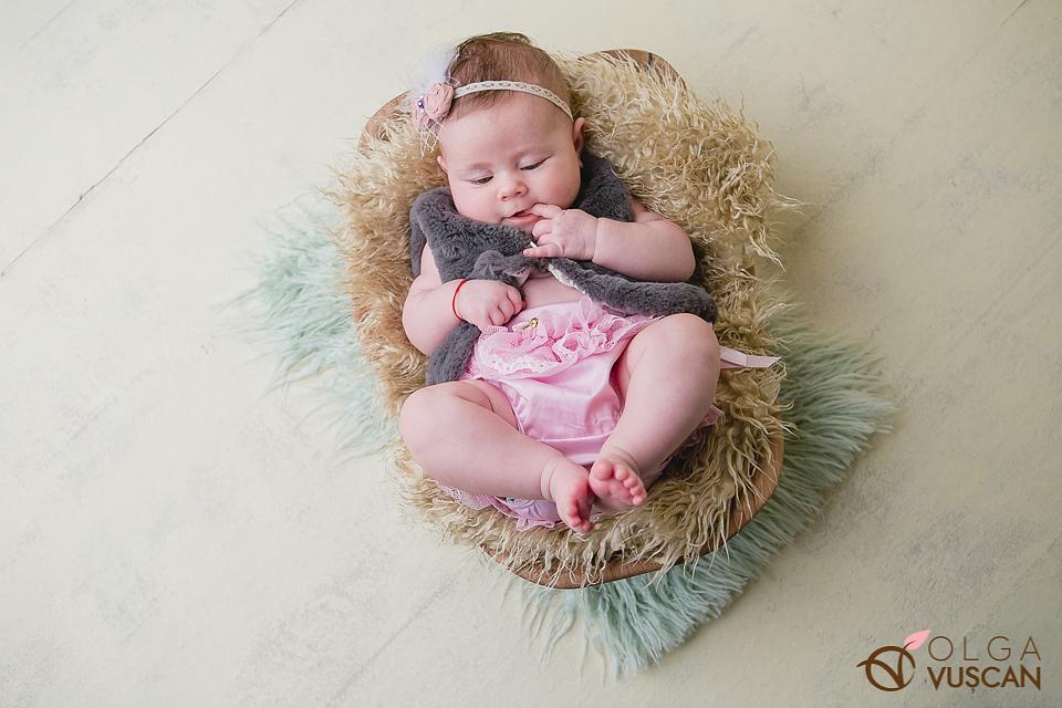 poze fetite, copii 2 luni_fotograf Olga Vuscan CLuj