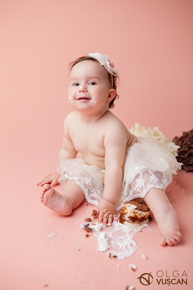sesiune foto fetita 1 an in studio_fotograf copii Olga Vuscan