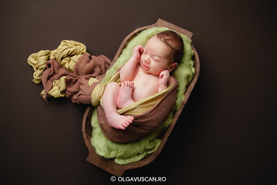 zambet de bebelus_fotograf nou-nascuti Olga Vuscan