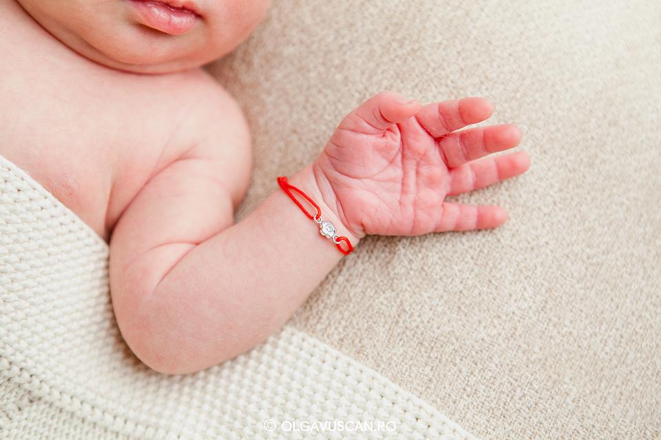 detalii bebe, maini bebelusi, sedinta foto bebelusi,sesiune foto bebe, fotograf bebelusi Cluj, poze bebe, imagini bebelusi Olga Vuscan