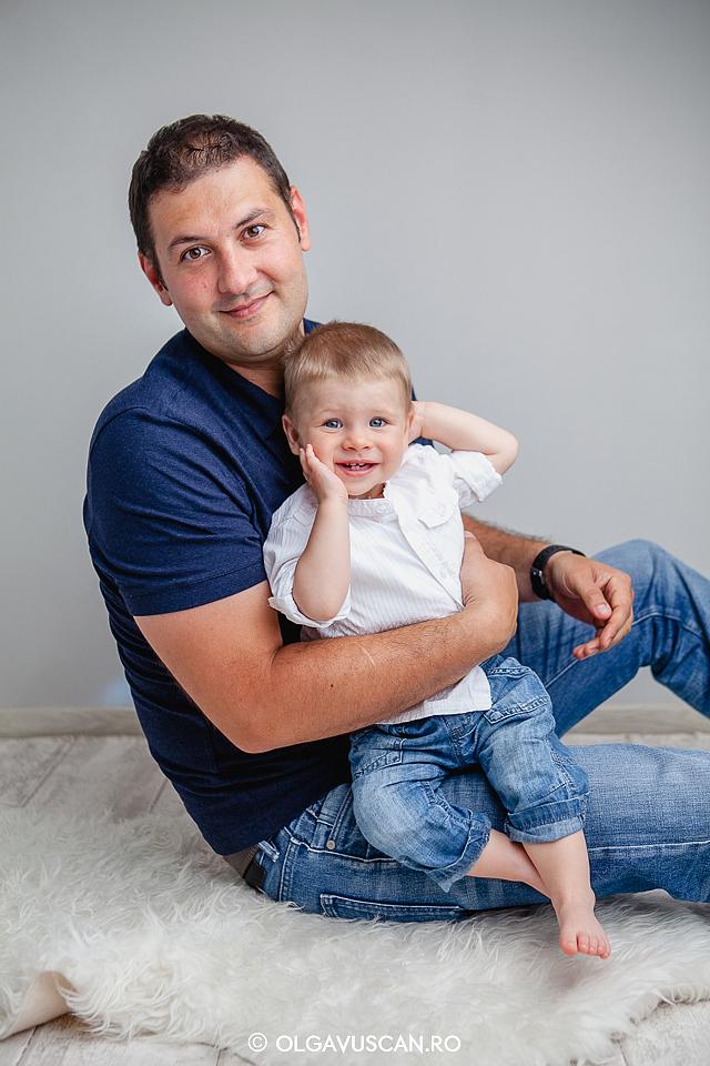 sedinta foto 1 an, sesiue foto la 1 an, fotograf copii Cluj, poze copii 1 an, fotografii copii Olga Vuscan