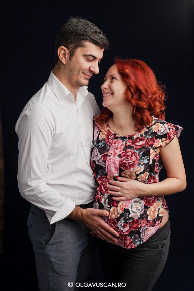 sedinta foto maternitate, poze cu burtica, fotograf maternitate, insarcinata, sarcina, fotograf Cluj