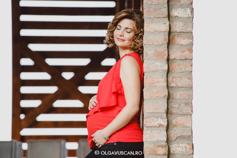 sedinta foto maternitate in natura, fotograf maternitate Cluj, fotograf profesionist familie si bebelusi Olga Vuscan