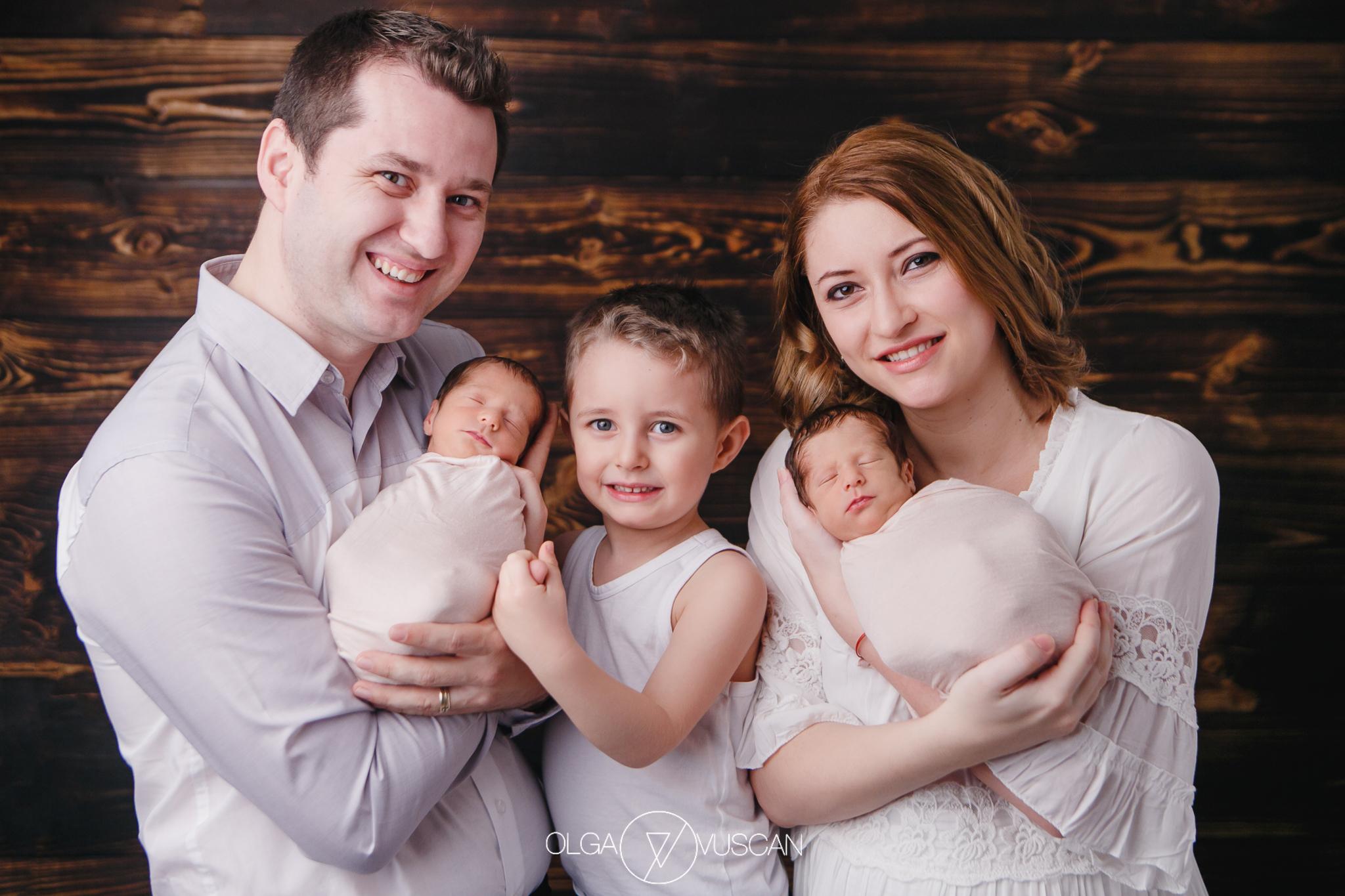 sesiune foto nou-nascuti gemeni, sedinta foto bebe gemeni, bebelusi gemeni, fotograf nou-nascuti Cluj