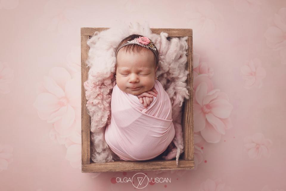 sesiune foto nou-nascut, fotograf profesionist nou-nascuti, fotograf bebelusi, poze bebe, sedinta foto bebelusi, sedinta foto bebe, nou-nascut Cluj